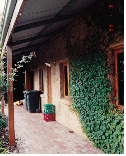 Former Wellers Pub at Pitman Cnr Kangaroo Ground Colour 4 - Shire of Eltham Heritage Study 1992