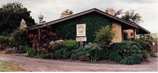 Former Wellers Pub at Pitman Cnr Kangaroo Ground Colour 5 - Shire of Eltham Heritage Study 1992