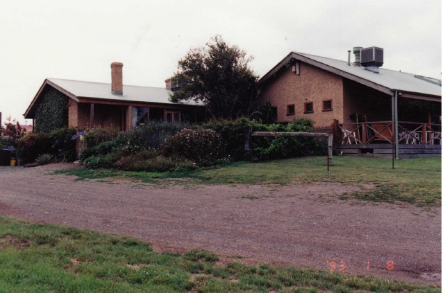 Former Wellers Pub at Pitman Cnr Kangaroo Ground Colour 7 - Shire of Eltham Heritage Study 1992