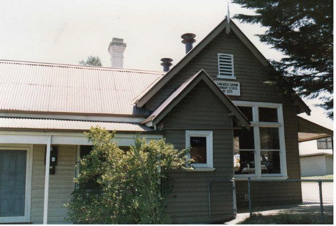 Kangaroo Primary State School Elth Yarr Glen Rd Colour 3 - Shire of Eltham Heritage Study 1992