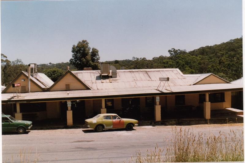 St Andrews Hotel Palm KangGround St Andrews Rd Colour 2 - Shire of Eltham Heritage Study 1992