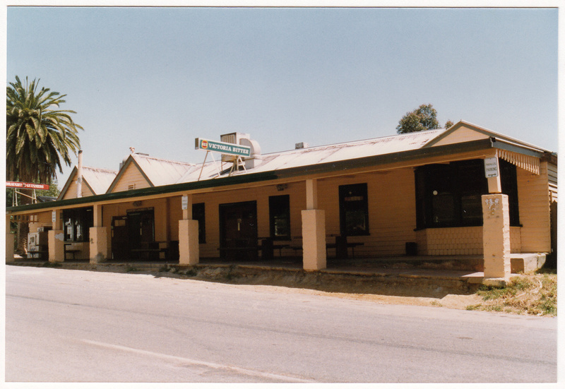 St Andrews Hotel Palm KangGround St Andrews Rd Colour 7 - Shire of Eltham Heritage Study 1992