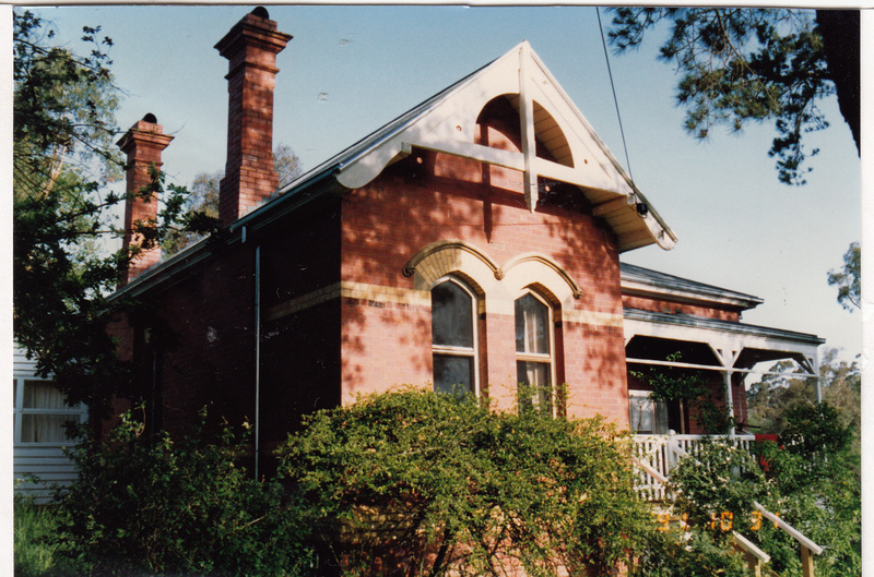 State School 209 Residence Pines 690 Main Rd Colour 1 - Shire of Eltham Heritage Study 1992
