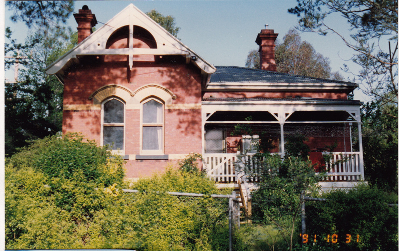 State School 209 Residence Pines 690 Main Rd Colour 2 - Shire of Eltham Heritage Study 1992