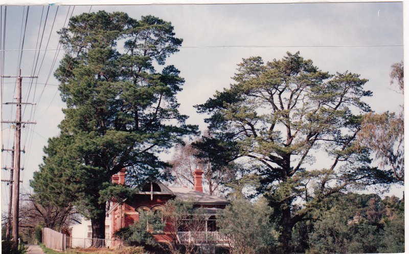 State School 209 Residence Pines 690 Main Rd Colour 4 - Shire of Eltham Heritage Study 1992