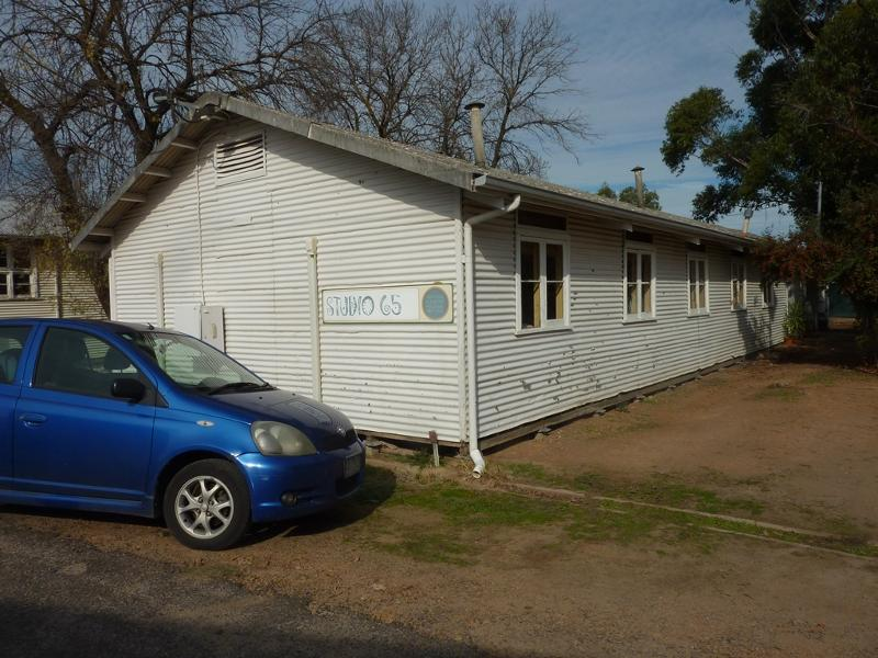 196487 f RAAF Base & Migrant Centre Benalla May 2015.JPG