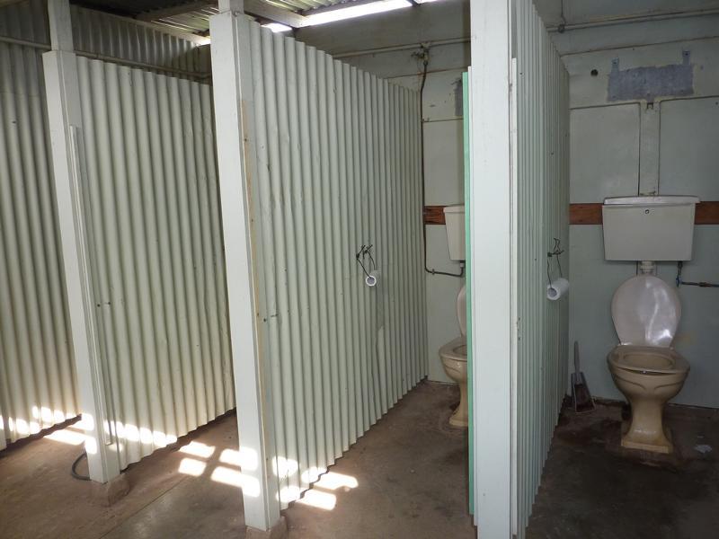 196487 f RAAF Base & Migrant Centre Benalla May 2015.JPG
