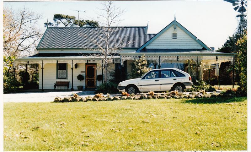 Pigeon Bank Residence Kangaroo Ground Colour 1 - Shire of Eltham Heritage Study 1992