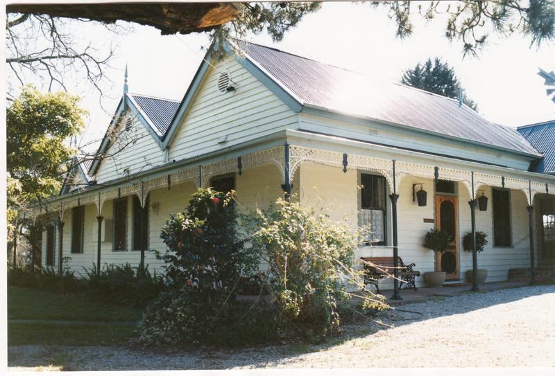 Pigeon Bank Residence Kangaroo Ground Colour 4 - Shire of Eltham Heritage Study 1992