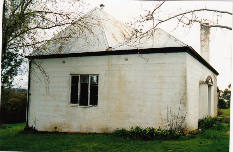 Residence Studio 30 Lavender Park Rd Colour 1 - Shire of Eltham Heritage Study 1992