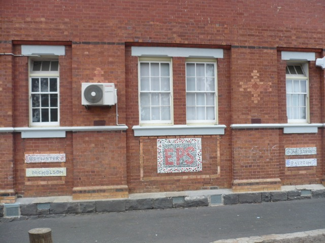 Essendon Primary School No.483 1922 block showing earlier nineteenth century windows
