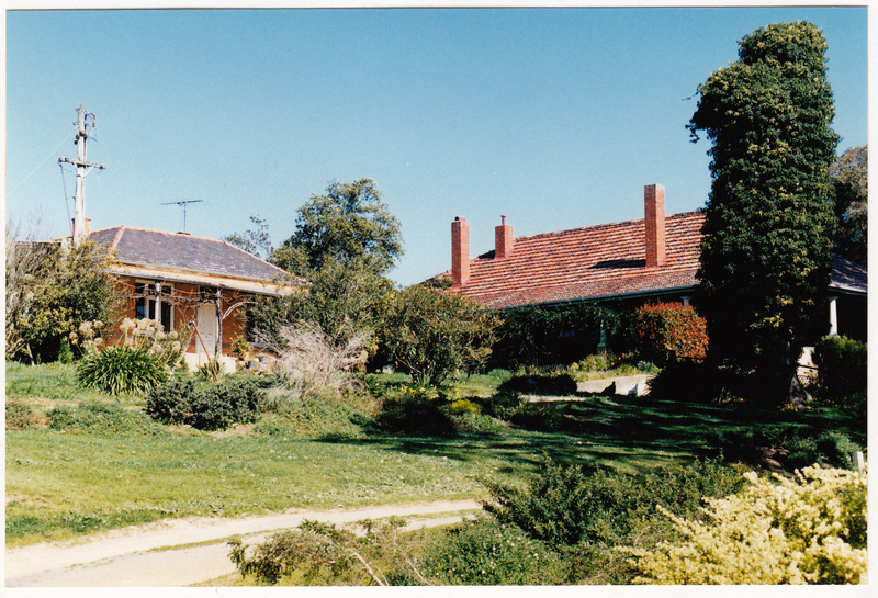 Old Brinkkotter House 32 Lindon Strike Ct Colour 2 - Shire of Eltham Heritage Study 1992