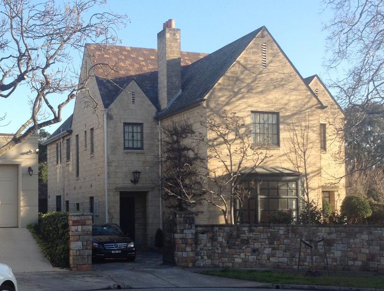 11 Grosvenor Court, Toorak