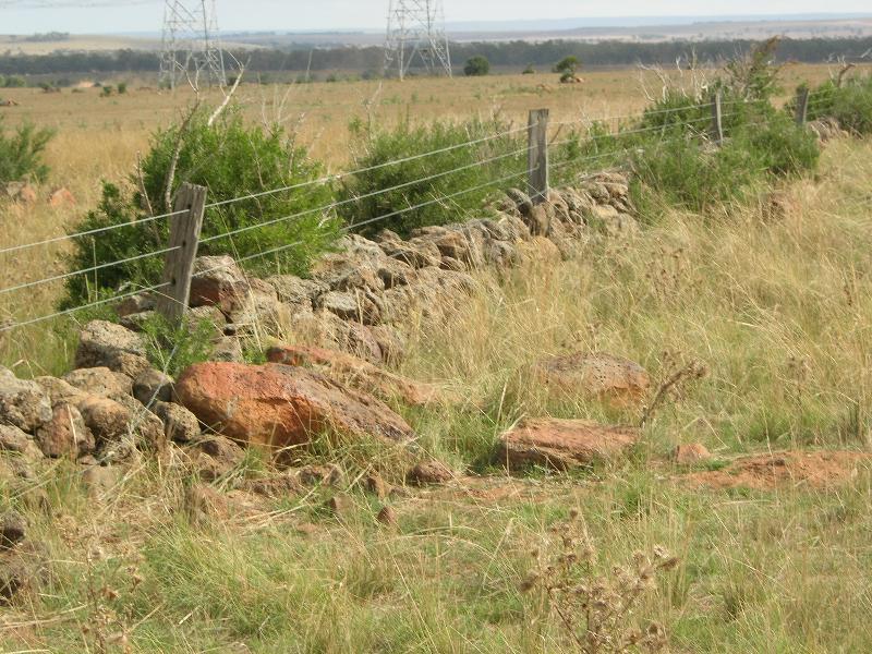 Dry Stone Wall K165 - north boundary