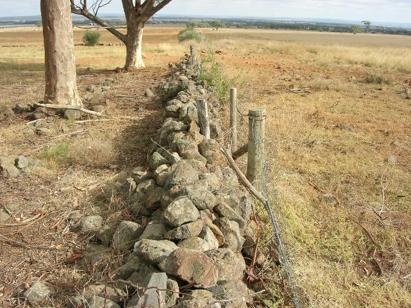 Dry Stone Wall K158 - northern boundary