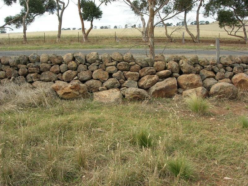 Dry Stone Wall K159 - eastern boundary