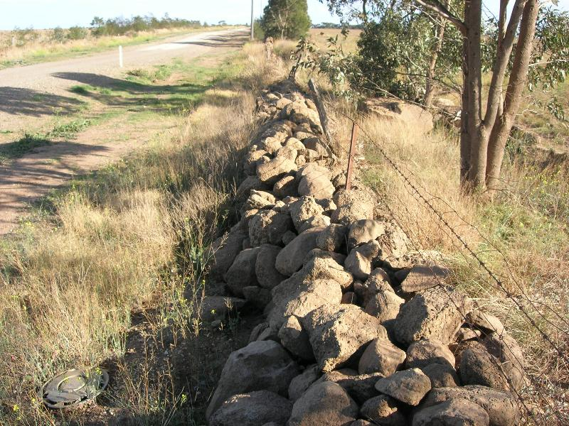 Dry Stone Wall F186 - southern boundary