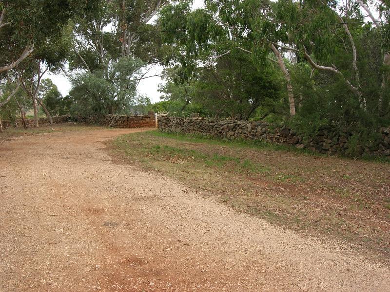 Dry Stone Wall L156
