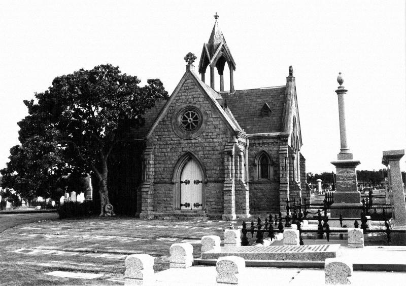 038 - Cemetery Chapel, Carpenter St_Page_1.jpg