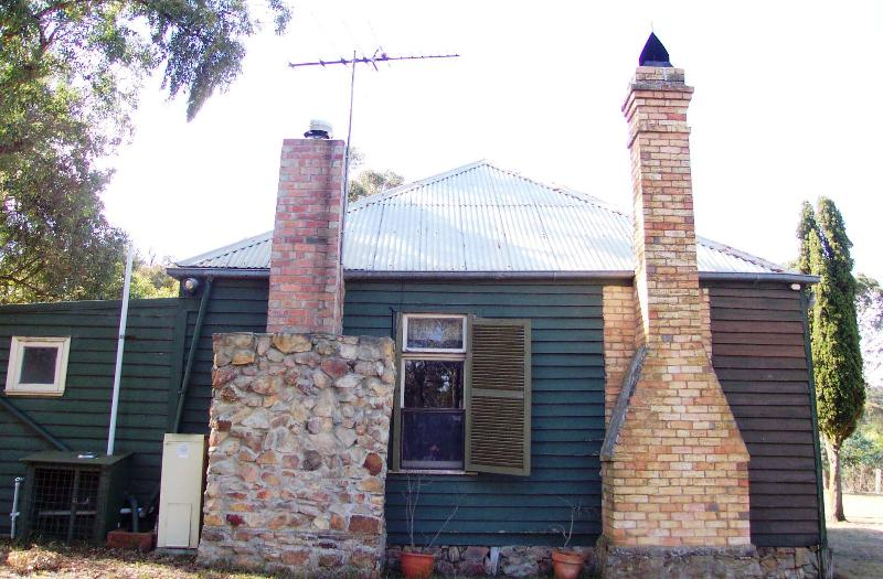 Paine's Cottage Chimneys