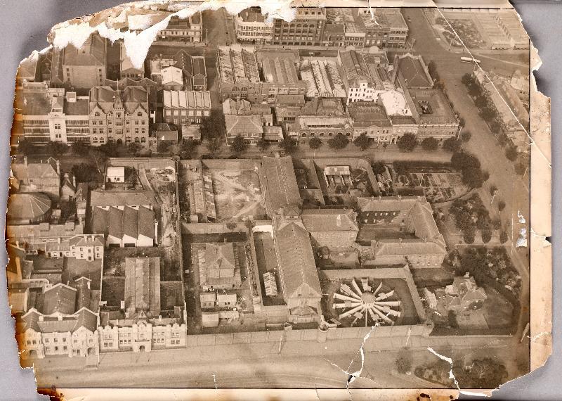 Old_Melbourne_Gaol_aerial_1922.jpg