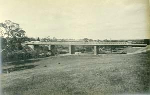 Railway bridge across the Yarra, Kew, 1891 (?) Kew.jpg