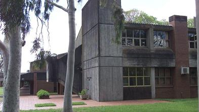 Example of 1970s college building.jpg