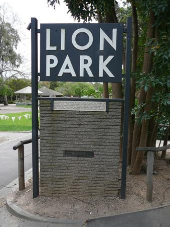 Original sign reinstated at new Lion Gorge enclosure 2017 .jpg