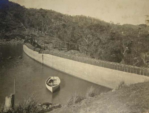 The inner face of the Lower Stony Creek Dam Wall c.1910.gif