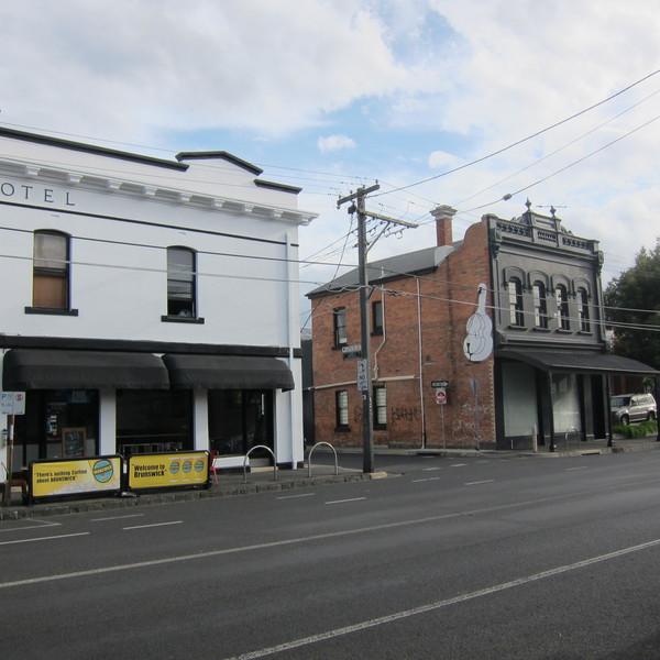 Victoria Hotel 380-382 Victoria St Brunswick