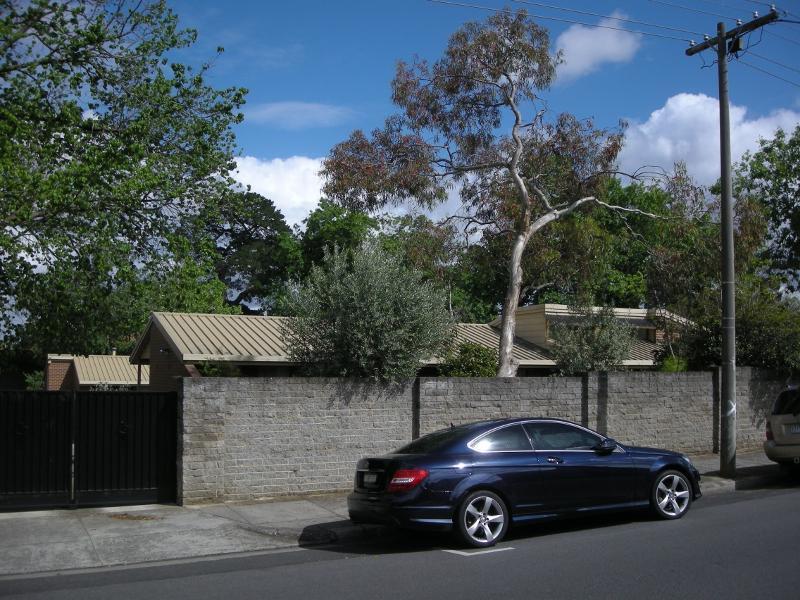 1980s Sisters residences.jpg