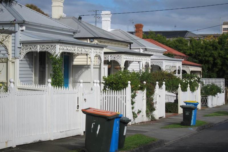 Houses on Bell Street.jpg