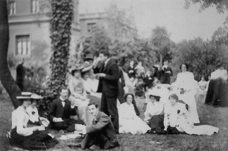 1900s south garden.jpg