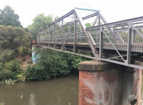Walmer Street Bridge - view from south bank - 2019